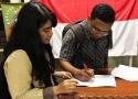 Peserta yang hadir bersemengat untuk menandatangani Petisi Kedaulatan Rakyat Indonesia