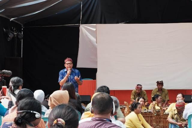I Nyoman Mahardika, Yayasan Manikaya Kauci