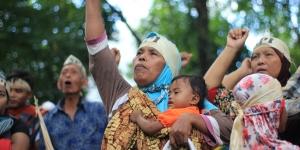 Aksi massa petani SPI Mekarjaya, Langkat, Sumatera Utara di depan Gedung DPRD, 3 April 2017